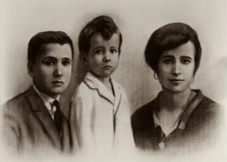 san Josemaría Escrivá con sus hermanos