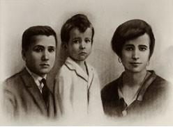 San Josemaria con il suo fratello e sua sorella