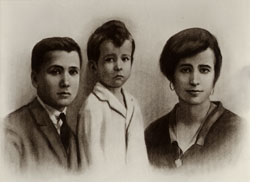 St. Josemaria with his brother and sister.